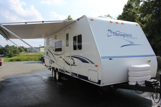 2005 Palomino Thoroughbred 26BH Slide with Topper Sleeps 8