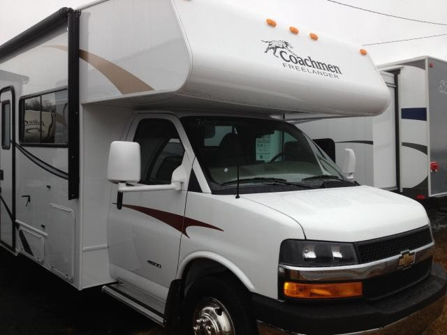 2013 COACHMEN FREELANDER 32 BHC