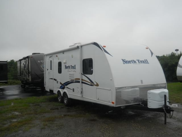 2013 NORTH TRAIL FOCUS 23FX 1 SLIDE OUT W/BUNK BEDS