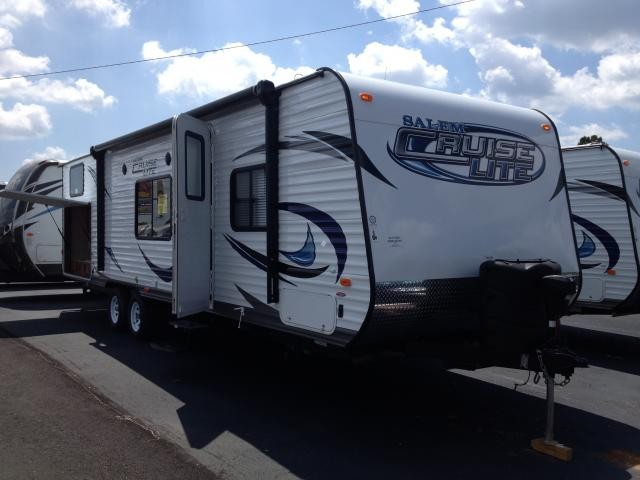 2014 Forest River Salem Cruise Lite 281QBXL Outside Kitchen and Bunks Show Stopper Package