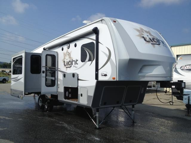 2014 Open Range Light LF297RLS 1/2 Ton Tow-able Triple Slide 297RLS 2 Year Warranty! Concord NC