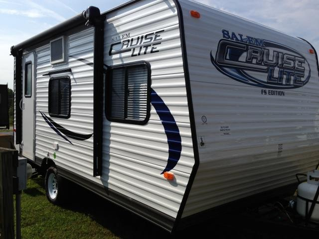 2014 SALEM CRUISE LITE 185RB 3000LBS