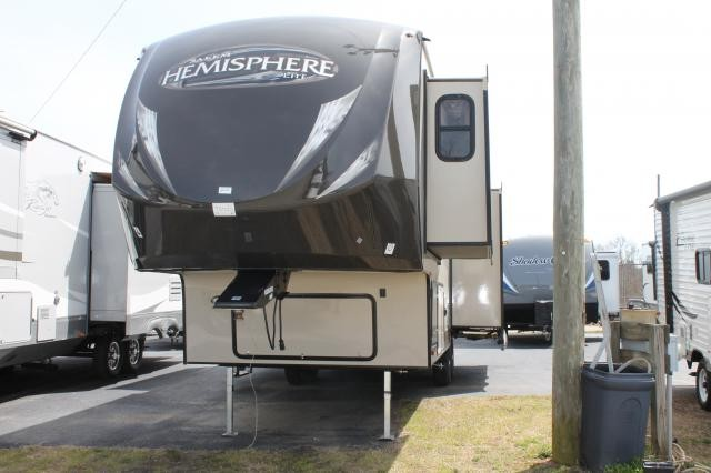2014 SALEM HEMISPHERE 286RLT TRIPLE SLIDE ELECTRIC JACKS UNDER 9000 LBS DUNCAN SC