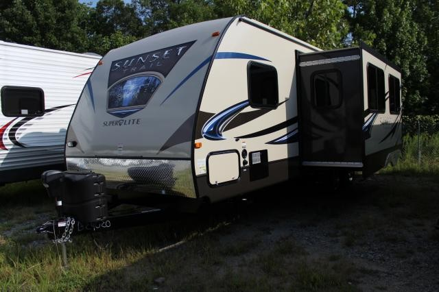 2014 Sunset Trail Super Lite 270BH Double Bunks Outside Kitchen Two Doors New Changes