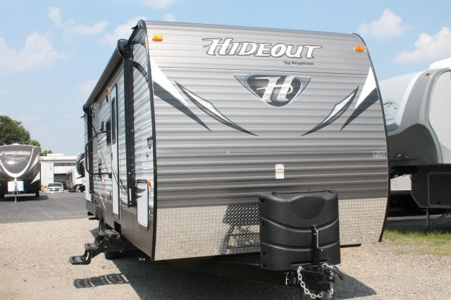 2015 HIDEOUT 29BKS WITH OUTSIDE KITCHEN LED LIGHTS IN AWNING