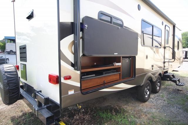 2017 forest river wildcat 311rks rear kitchen super slide outside