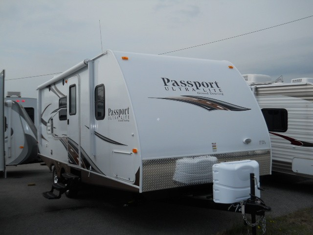 2013 PASSPORT 2300BH ULTRA LIGHT TRAVEL TRAILER BUNKHOUSE