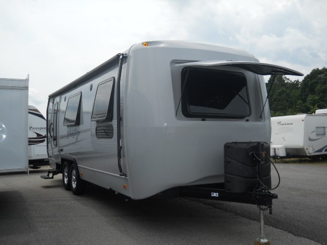 2013 KEYSTONE VANTAGE 25RBS HUGE REAR BATH