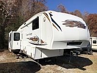 2009 Keystone Copper Canyon 360FWQDS Triple Slide Rear Living Fifth Wheel Duncan SC