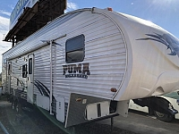 2011 Palomino Puma Toy Hauler 356-QLB Single Slide Fifth Wheel Toy Hauler Duncan SC