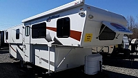 2011 TrailManor Hi-Lo Travel Trailer 3124KB Spacious Storage Large Kitchen Area 2 Beds Nice Condition CONCORD NC