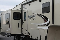2017 Grand Design Reflection 27RL Rear Living 5th Wheel 3 Slides Auto Leveling 2nd A/C Fireplace Duncan SC