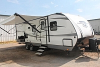 2018 Highland Ridge Open Range 2604RB Travel Trailer Rear Bath 1 Slide Outside Kitchen Big Pantry Queen Bed Large Bath Like New Duncan SC