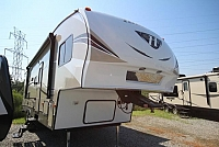 2019 Keystone Hideout 281DBS Double Bunk House U-Shaped Dinette Rear Bath Full Shower Master Half Bath Outside Kitchen One Slide CONCORD NC