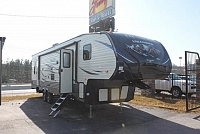 2018 Puma 351THSS 5th Wheel Toy Hauler 1 Slide 2nd A/C 30 Gallon Fuel Pump Station Power Jacks Outside Shower 2 Drop Queens in Garage Duncan SC