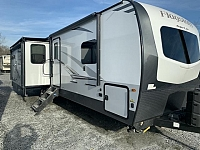 2019 Forest River Flagstaff Classic 29RSWSD Triple Slide Rear Living Travel Trailer Duncan SC