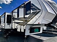 2019 Grand Design Momentum 395M Toy Hauler Fifth Wheel 3 Slides 1 1/2 Bath's Free Standing Dinette Fireplace Theatre Seating Duncan SC