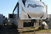 2018 Grand Design Reflection 367BHS 5th Wheel Camper Mid-Bunk 4 Slides 2 A/C's 2 Awnings Auto Level Double Fridge Duncan SC