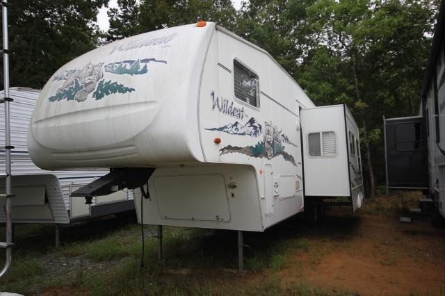 2006 Forest River Wildcat 29BH Fifth Wheel With Rear Bunks Concord NC
