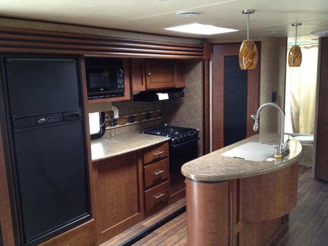 2013 Dutchmen RV Kodiak 276BHSL Double Slide Island Kitchen Outside Kitchen  Double Over Double