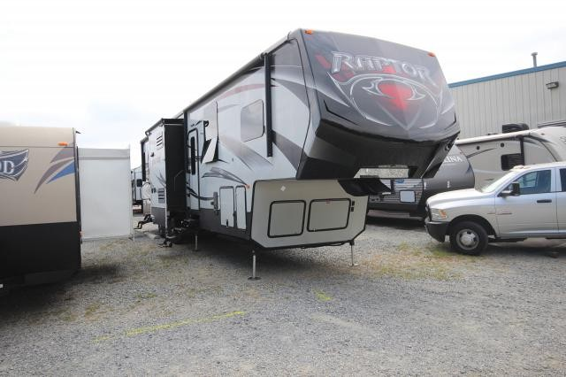 2015 Keystone Raptor 415TS Toy Hauler Triple Slide King Bed Generator and Patio Concord NC