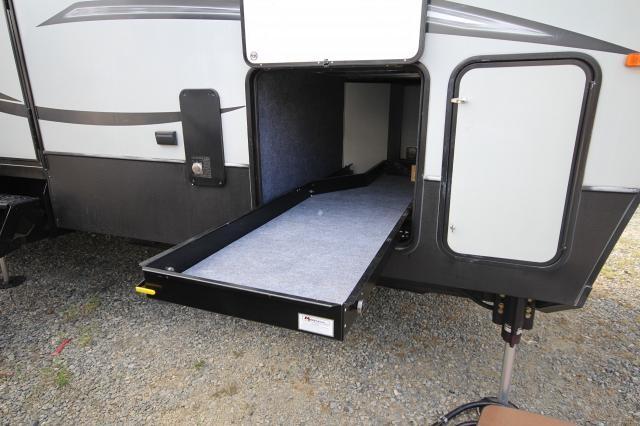 2015 Keystone Raptor 415TS Toy Hauler Triple Slide King Bed Generator and Patio Concord NC
