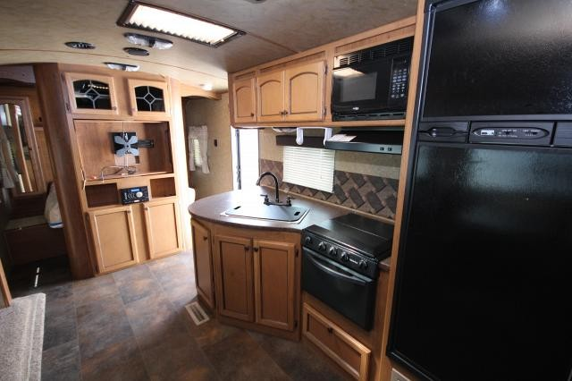 2015 Sunset Trail Super Lite 250RB Large Rear Bath Outside Kitchen One Slide Booth Dinette Tri-fold Sofa Very Nice CONCORD NC