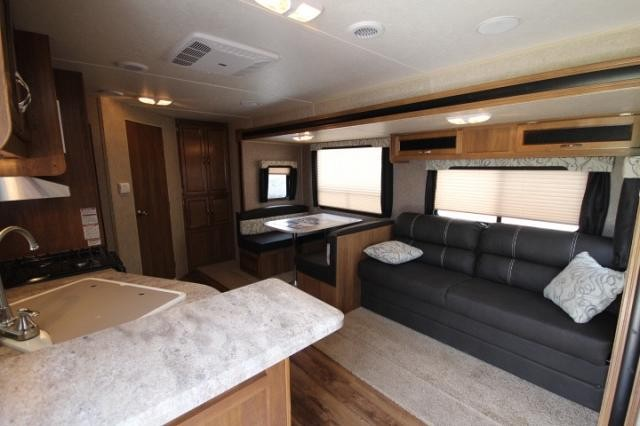 2017 Coachmen Catalina 243rbs Rear Bath With Fireplace