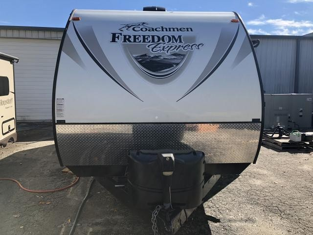 2016 Coachmen Freedom Express Ultra-Lite 257 BHS Single Slide Bunkhouse Travel Trailer Duncan SC