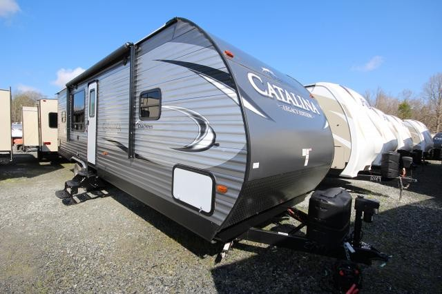 2017 Coachmen Catalina 283RKS Rear Kitchen Tons of Room Great Layout Big Windows Lots of Countertop Space Concord NC