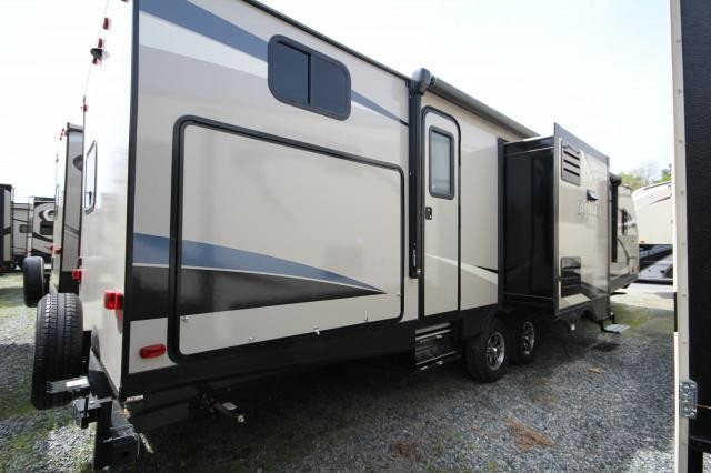 2017 Crossroads Sunset Trail 331BHS Triple Slide Bunkhouse Bath and a Half Lightweight Tall Ceilings 60x80 Queen Bed Island Kitchen CONCORD NC