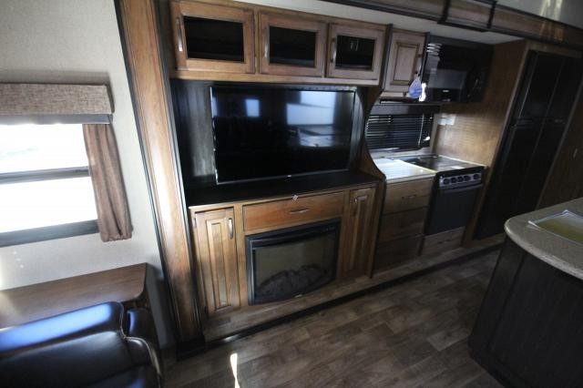2017 Grand Design Reflection 367BHS Mid Bunk Fifth Wheel Automatic Leveling 4 Seasons Concord NC