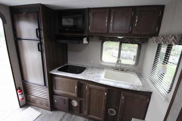 2018 Bullet Crossfire 1750RK Rear Kitchen U-Shaped Dinette Slide Out Queen Bed Tub/Shower CONCORD NC