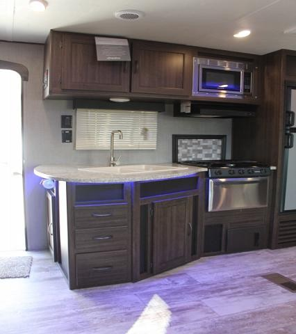 2018 CrossRoads Zinger 328SB Travel Trailer Bunkhouse 2 Slides 2nd A/C Prep Outside Kitchen Outside Shower Blue Accent LED's Inside Duncan SC