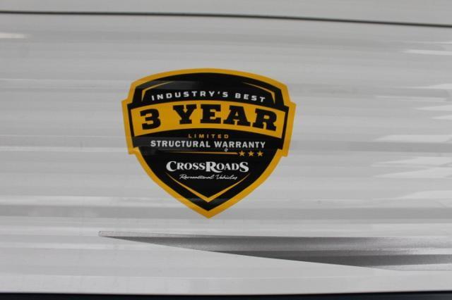 2018 CrossRoads Zinger 333DB Travel Trailer Bath and 1/2 Bunkhouse 2 Slides Outside Kitchen Blue LED Accents Large Pantry U-Shaped Dinette Duncan SC