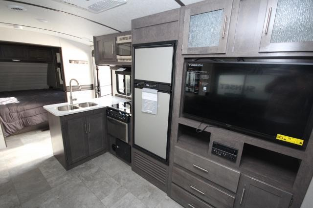 2018 Crossroads Sunset Trail 262BH Rear Double Bunks w/ Privacy Curtain Booth Dinette Full Shower One Slide Outdoor Kitchen 3 Year Structure Warranty CONCORD NC