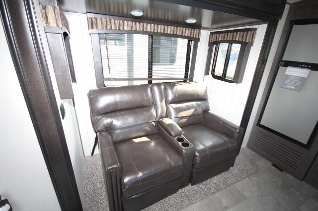 2018 Crossroads Sunset Trail Super Lite 250RK Rear Kitchen Free Standing Dinette Theatre Seating Wooden Blinds 3 Slides Corner Radius Shower Queen Bed Large Wardrobe CONCORD NC