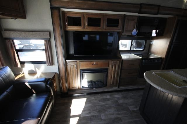 2018-Grand-Design-RV-Reflection-367BHS-Mid-Bunk-4-Slide-Fifth-Wheel-Concord-NC-367used-70141.jpg