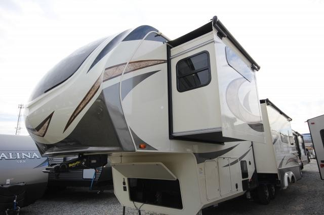 2018 Grand Design RV Solitude 310GK-R Rear Living Entertainment Fireplace Theatre Seating Free Standing Dinette Kitchen Island Residential Fridge Luxury CONCORD NC