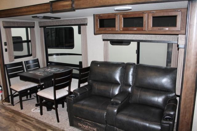 2018 Grand Design Reflection 337RLS 5th Wheel Camper Rear Living 3 Slides 2 A/C's Fireplace Theater Seating 2 Awnings Side by Side Fridge Bluetooth Stereo Duncan SC