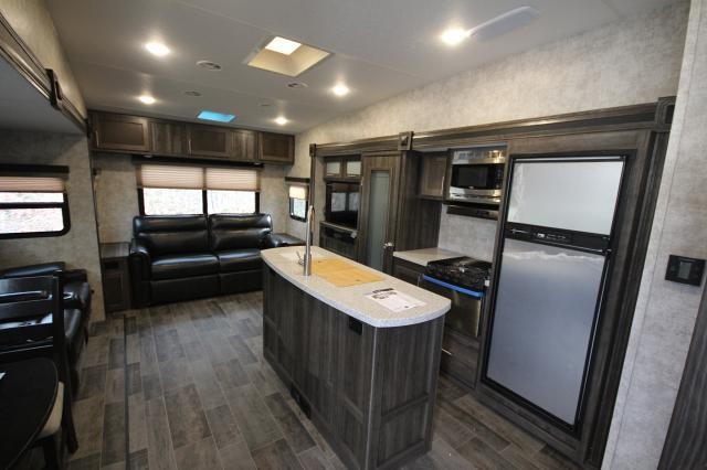 2018 Highland Ridge Lite Fifth Wheel 291rls Rear Livingroom 3 Slides Kitchen Island Booth