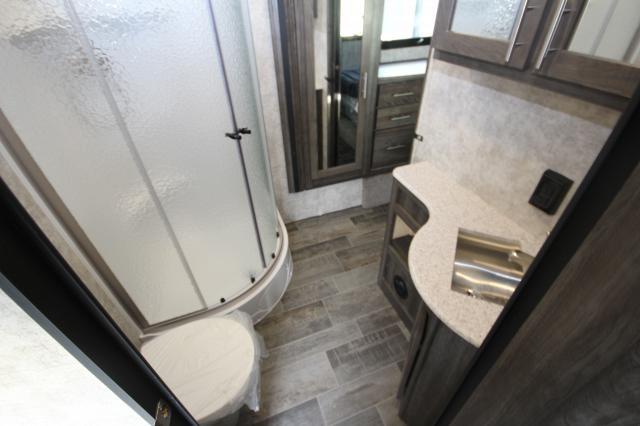 2018 Highland Ridge Lite Fifth Wheel 291RLS Rear Livingroom 3 Slides Kitchen Island Booth Dinette CONCORD NC