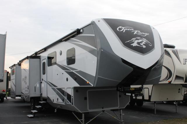 2018 Highland Ridge Open Range 3X 427BHS Luxury 5th Wheel Camper 5 Slides W Toppers 2 Awnings A Cs Heat Pump Outside Kitchen Residential Fridge Ice
