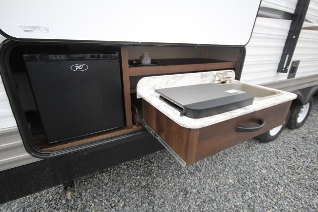 2018 Jayco Jayflight SLX 284BHS Rear Double Bunks Spacious Bath U-Shaped Dinette TV Storage One Slide Outdoor Kitchen Nice CONCORD NC
