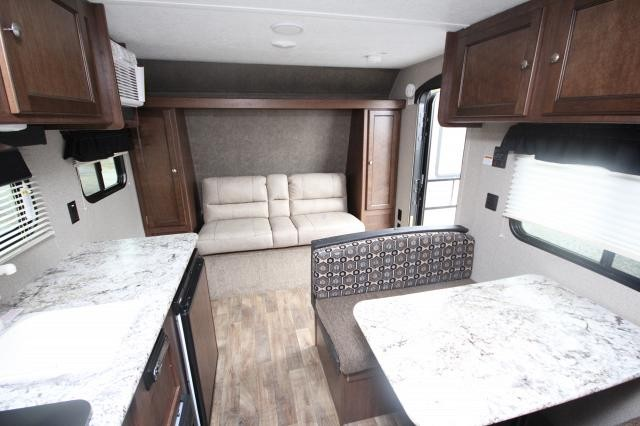Ordinaire 2018 Keystone Hideout 185LHS Rear Bunks Booth Dinette Jack Knife Sofa Full  Shower Sleeps 6 Great Starter Travel Trailer ...