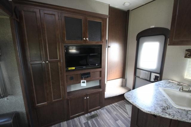 2018 Keystone Hideout 281DBS Double Bunk House U-Shaped Dinette Rear Bath Full Shower Master Half Bath Outside Kitchen One Slide CONCORD NC