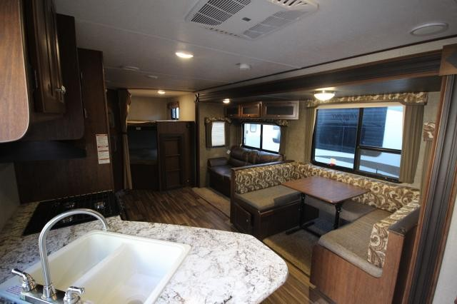 2018 Keystone Hideout 28BHS Rear Double Bunks Rear Bath 2nd Entry U-Shaped Dinette Storage Space Outdoor Kitchen Utility Shower One Slide Like New CONCORD NC