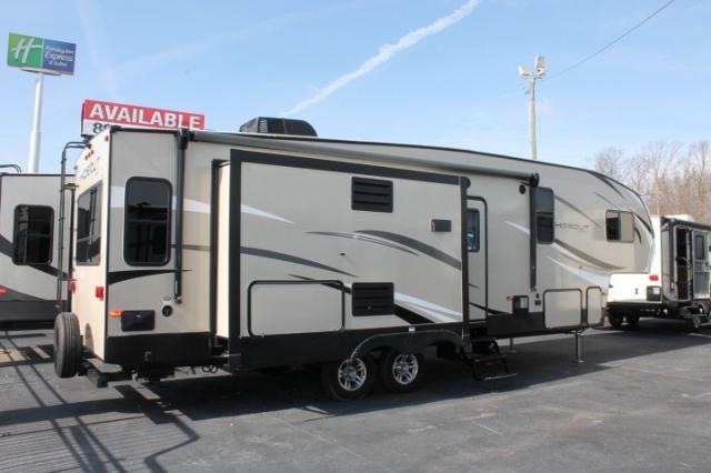 2018 Keystone Hideout 299RLDS 5th Wheel Camper Rear Living 2 Slides Outside Fridge 2nd A/C Prep Central Vac Duncan SC