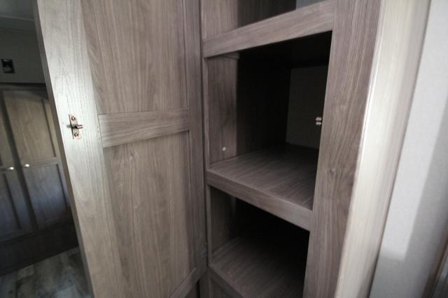 2018 Keystone Hideout 29BKS Rear Bunkhouse w/ Table One Slide Outside Kitchen Jack-Knife Sofa U-Shaped Dinette Full Shower Storage Space CONCORD NC