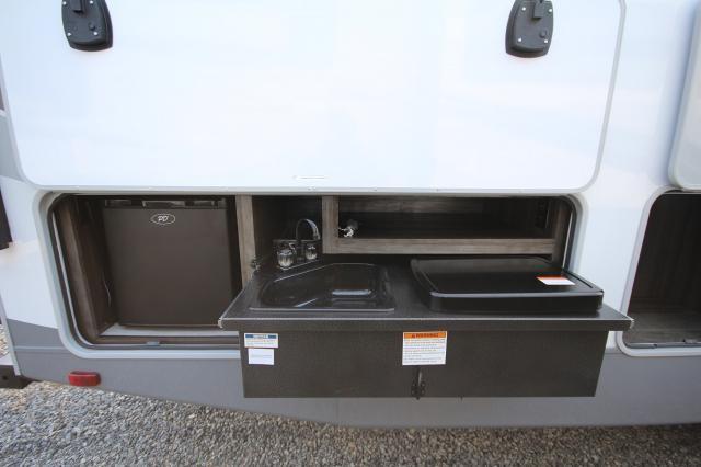 2018 Open Range Lite Fifth Wheel 295BHS Rear Bunks 2 Slides Outdoor Kitchen CONCORD NC